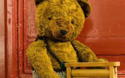 Op consult bij de poppendokter bij het Oude Ambachten & Speelgoed Museum